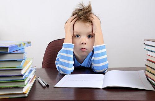 Почему ребенок пропускает буквы на письме?